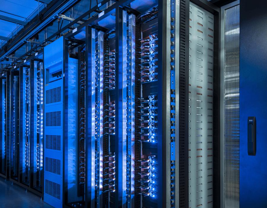 Hybrid data centre